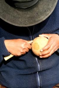 Carving a Maté Burrilado