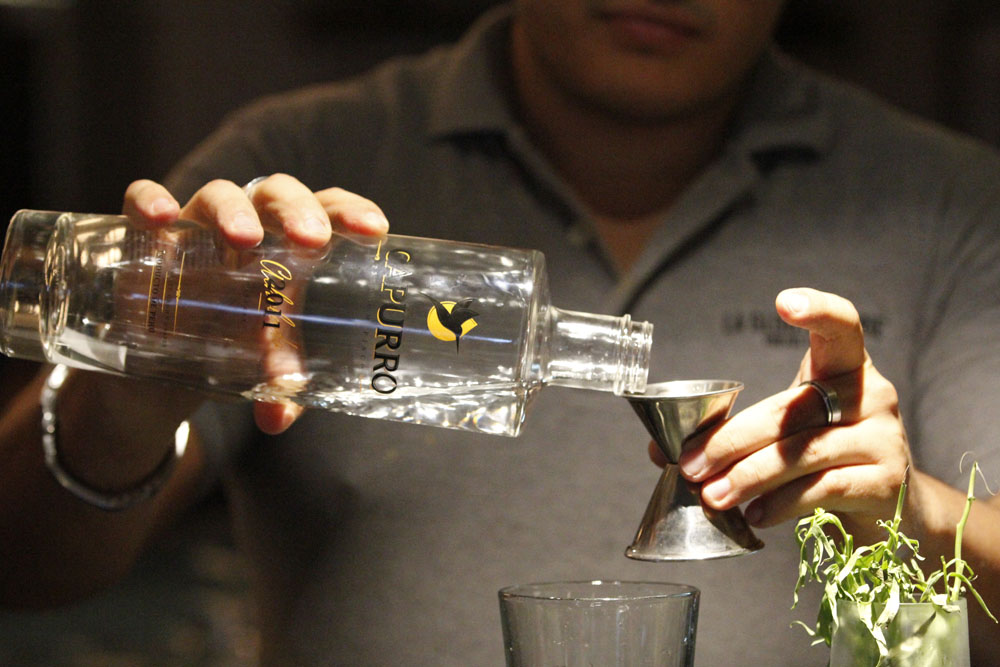 Making a Capurro Cocktail